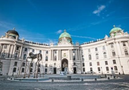 Wien und Budapest erleben Hampton by Hilton Munich City West, München, Bayern, Deutschland